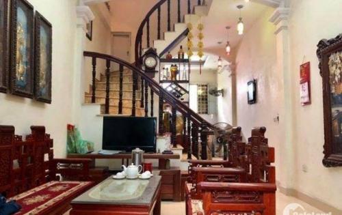 Bán nhà riêng phố Tôn Thất Tùng, 40m x 4, NGÕ THÔNG THOÁNG giá 4 tỷ