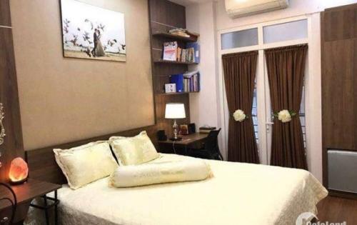 Cần bán gấp nhà ở Tây Sơn, 5 tầng x 32m2 giá 4 tỷ, KD nhiều mặt hàng.