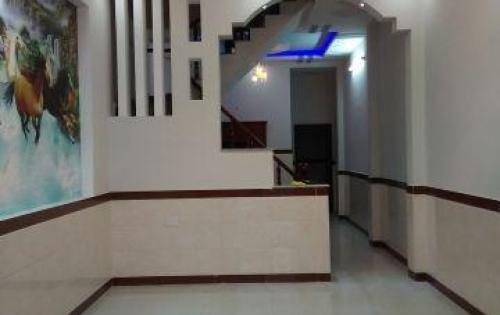 Bán nhà khu Vĩnh Hồ, Thịnh Quang nhà đẹp, kinh doanh. DT 45m2 giá 3.9 tỷ