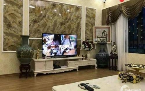 Bán gấp nhà đẹp khu Thái Thịnh, Thịnh Quang 38m2, 5 tầng, giá 4,1 tỷ