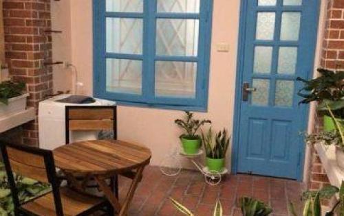 Bán nhà Trần Quang Diệu, về nhà ở luôn với nội thất đẹp.