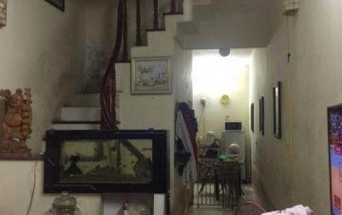 Nhà Hot giá rẻ ở luôn ngõ 43 Trại Cá - Trương Định 2,3 tỷ, dt 34m2.