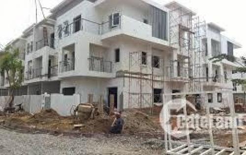 Cần bán gấp căn nhà 1 trệt 2 lầu mặt tiền đường cách chợ bc 500m ,SHR, công chứng trong ngày