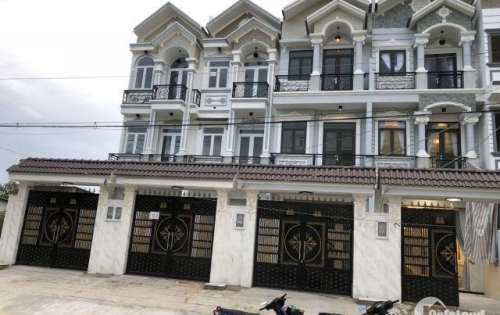 Bán nhà đường Nguyễn Thị Hương, Nhà Bè, Tp.HCM. DT 204m2, 2 lầu sân thượng, 4PN giá 4.8 tỷ