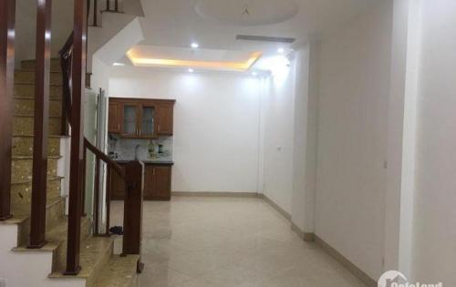 Cần bán nhà mới hoàn thiện đẹp rẻ tại Nguyễn Văn Cừ, Ngọc Lâm, Long Biên. S 48,3m. Giá 3,55 tỷ. Lh: 0984.373.362