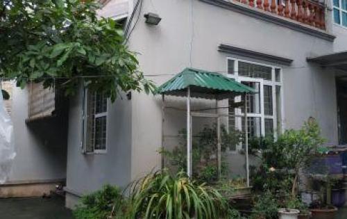 Vỡ nợ bán gấp căn nhà biệt thư nhà vườn 118m2 hiếm có ở Tổ 12 Thạch Bàn, Long Biên chỉ 3,6 tỷ.
