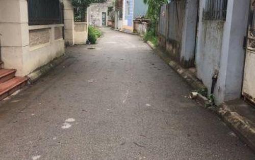 Bán nhà Phố Trạm_Long Biên. Đường ô tô đậu cạnh nhà, giá 1,85 tỷ.