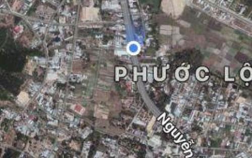 Cần bán lô đất sạch, giá tốt hiếm hoi, mặt tiền đường Nguyễn Tất Thành. LH 0935964828