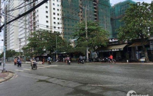Cho thuê kho bãi mặt tiền đường Phan Văn Hớn, Quận 12. DT 14m x 60m = 840m2.