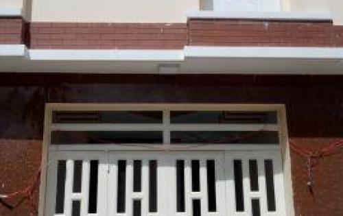 Nhà 1 trệt, 1 lầu, 2PN,2WC, ngay trung tâm chợ đường, P.Thạnh Lộc Q12