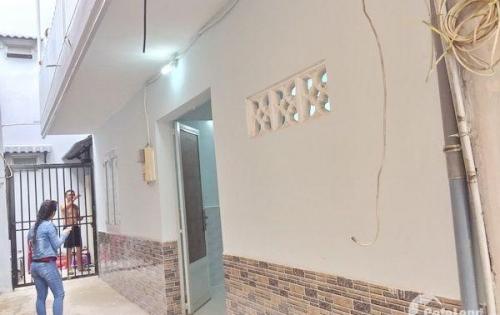 Bán nhà lầu đẹp hẻm 588 Huỳnh Tấn Phát quận 7.