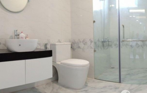 Bán gấp căn hộ 2 phòng ngủ mặt tiền Tạ Quang Bửu Q8. Giá 1,1 tỷ
