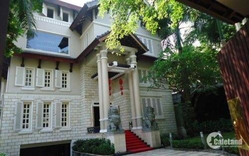 Bán vila cũ Nguyễn Trọng Tuyển, phường 8, Q. Phú Nhuận, DT 14 x 30.5m (548m2). Giá 63 tỷ