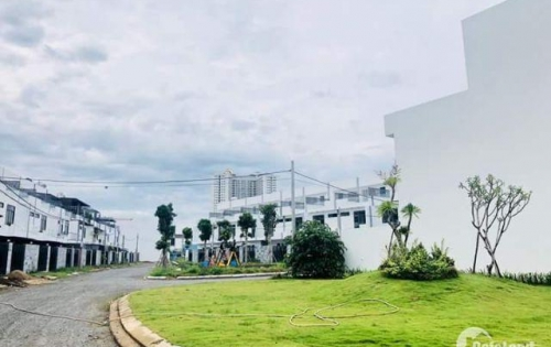 Nhà phố thương mại 3 tầng - 2 mặt tiền nằm ngay vị trí độc tôn - bến du thuyền Đà Nẵng