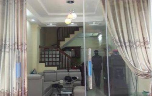Nhà mới ở luôn Nguyễn Trãi, ngõ 3 gác rộng 3m, 27m2 x 5 Tầng, 2.6 tỷ.