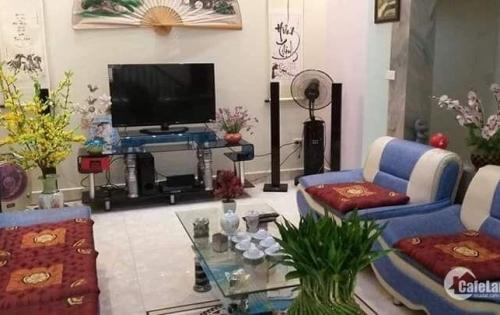 Gia đình chuyển công tác tôi muốn bán lại nhà mới xây tại Đại Đồng, diện tích 90m2 giá 2,4 tỷ.