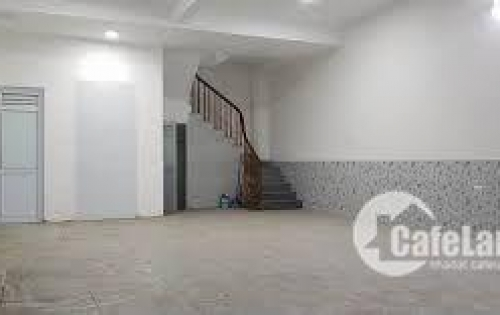 Cho thuê gấp nhà mặt phố Thanh Nhàn 30m2 *5, MT 5,3m chỉ 30 triệu/tháng.