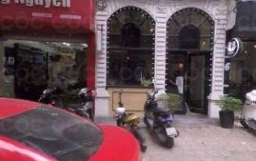 Có cửa hàng CỰC ĐẸP cần cho thuê mặt phố Trần Quốc Toản 50m, MT 3m.
