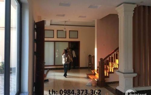 Cho thuê nhà riêng, nguyên căn Giang Biên, Long Biên. S: 100 m. Giá: 11tr/tháng. Lh: 0984.373.362