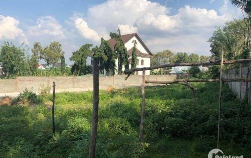- Cần bán đất trong  khu dân cư sân GOLF Long Thành