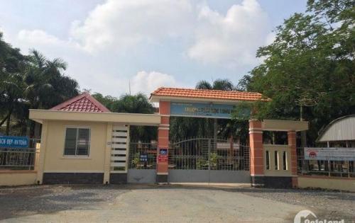 đất rẻ bèo nhèo 600tr/nền 100m2 ngay chợ với đối diện trường học