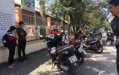 Đất nền trung tâm thị trấn Rạch Kiến , đối diện trường học, 500tr/nền (TT 50%),sổ đỏ