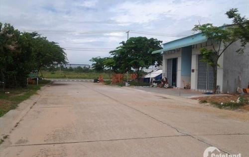 Bán nhà trọ giá rẻ+450m2 đất thổ cư, MT 16M gần trường giá 435tr/nền