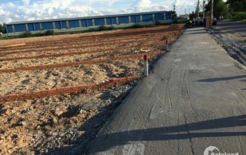 Bán lô đất 2 MT giá 850tr, có sổ TC 100% DT 85m2