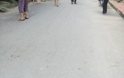 Đất Long Biên hai mặt thoáng ra đường lớn chỉ 3 bước chân, DT 34m