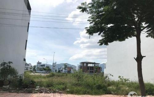 bán đất dt 80m2 ở kdt Hà Quang 1, gân trụ sở ha quang, gân sân tennis