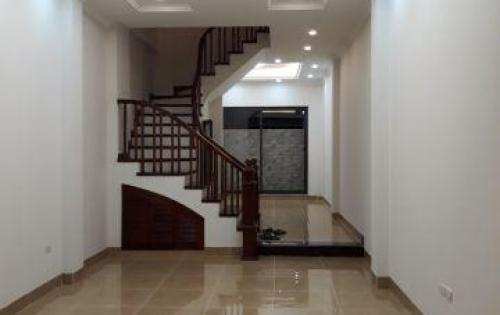 Chính chủ bán nhà Hoàng Hòa Thám, Ba Đình DT 62m2*5 tầng, cách phố 40m, 6.2tỷ