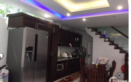 Bán Nhà Phố Ngọc Hà-Quận Ba Đình cách Lăng Bác chỉ 300m 34m2 *6T, Giá   4.5 Tỷ