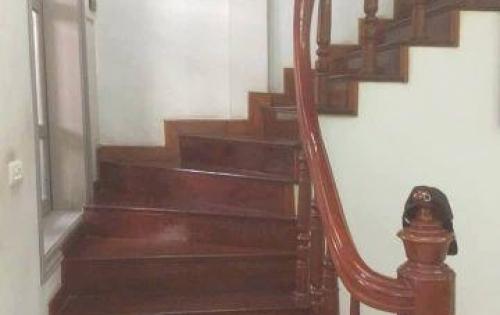 Cần bán nhà-  Đội Cấn- Ba Đình- Hà Nội- 70m- 5 tầng giá 8,6 tỷ