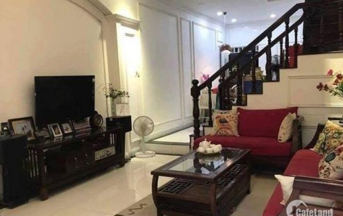 Cần bán nhà trong ngõ 379 Đội Cấn, Ba Đình. 33/36m2 x 5 tầng x 3PN