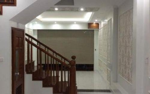 Bán nhà rẻ đẹp Văn Cao 32m2 x 5 tầng, Giá 3.6 tỷ, Đường vào hơn 4m.