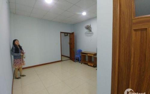 Bán căn hộ 2 phòng ngủ tại Bình Thạnh, 88m2, lầu cao, Full NT, LH:0907782122