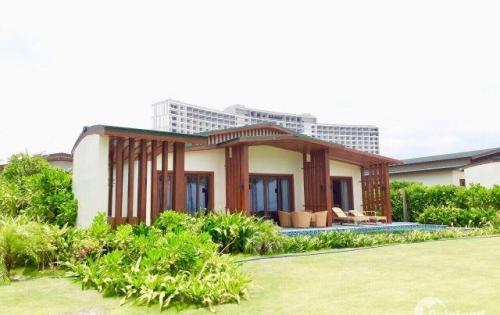 Bán lỗ biệt thự biển và condo Movenpick Cam Ranh - CK ngay 300 triệu - giá 7,4 tỷ