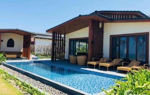 Bán biệt thự Movenpick Cam Ranh - Giá 11 tỷ, tặng 1 căn condotel 9 tỷ - CK 300 triệu