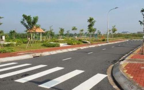 Bán đất chính chủ ngay KCN Cầu Tràm 90m2, đối diện trường tiểu học, cách chợ 200m, giá 700 triệu.