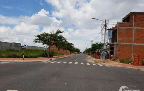 Bán đất thị trấn Rạch Kiến mặt tiền 40m, đối diện trường học chỉ 490tr, SHR, XD tự do