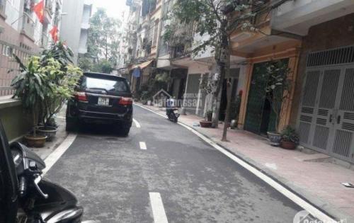 Chính chủ cần bán gấp nhà mặt phố Trần Quốc Hoàn 50m2, MT 5m, kinh doanh sầm uất chỉ 8.8 tỷ