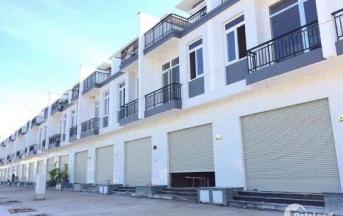 Chính chủ chuyển công tác cần bán gấp căn nhà trệt lầu , gần Vòng Xoay An Phú, SHR
