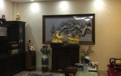 Bán nhà riêng phố Tây Sơn, ô tô đỗ cửa, 44m x 5t, giá 4 tỷ.