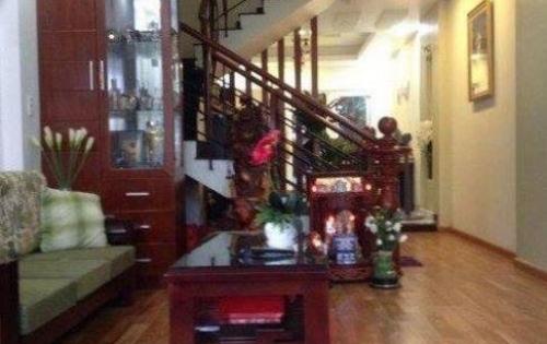 Bán nhà riêng phố Tôn Thất Tung, ô tô đỗ cửa, 45m x 5t, giá 4 tỷ.
