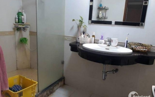 Cần bán căn chung cư 181 Nguyễn Lương Bằng gần 130m2 chỉ 4.5 tỷ