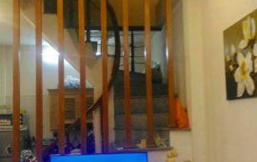 Bán nhà nhanh trong 24h: Phố Trương Định 34m x5t mới xây 2 năm giá 2,35 tỷ
