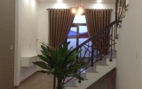 Bán nhà 3 tầng đẹp kiệt đường Núi Thành hướng Nam thoáng mát