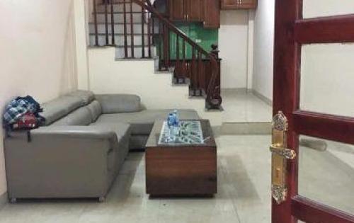 Tôi cần bán nhà 5 tầng phố Giáp Bát, gần Kim Đồng giá nhỉnh 2 tỷ
