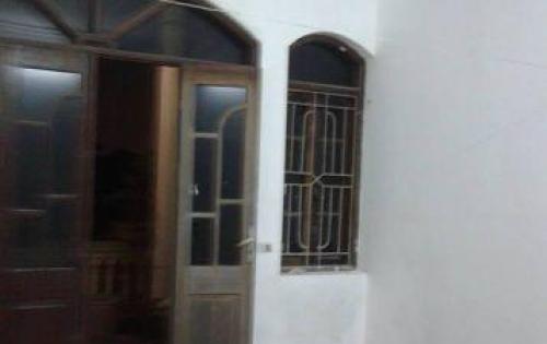 Chính chủ bán gấp nhà 1 trệt 2 lầu 3PN hẻm 5m full nội thất