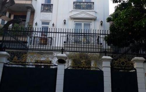 Bán biệt thự vườn 658m2 thiết kế đẹp Hương lộ 11, Bình Chánh, đường 12m, giá 3,7 tỷ Lh: O798655603